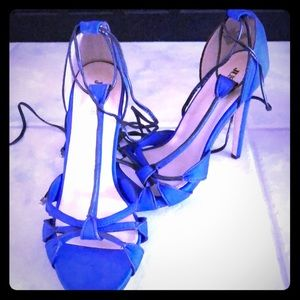"Beautiful electric blue 4.5"" heels"
